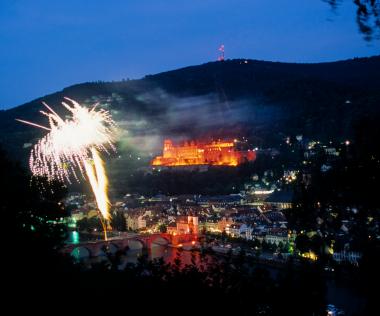 Impressionen Bilder Heidelberger Schlossbeleuchtung - iStock_000003021697XSmall